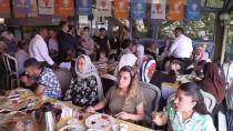 BENNUR KARABURUN - 'Ey CHP'ye Oy Veren Kardeşlerim Partiniz Buharlaştı'