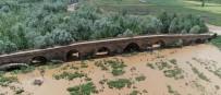 SİVAS VALİSİ - Kral Yolu Üzerindeki Tarihi Köprü Dikkat Çekiyor