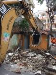 MUSTAFA DÜNDAR - Osmangazi'de Metruk Binalar Yıkılıyor