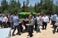 KAYINVALİDE - Pompalı Tüfekle Öldürülen Aile Bireyleri Toprağa Verildi