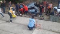 MUSTAFA AKıN - Yağmurda Kayan Otomobil Takla Attı Açıklaması 5 Yaralı