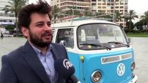 Yaşından Büyük 'Vosvos'la Seçim Kampanyası Yürütüyor