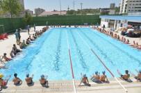 YÜZME KURSU - Yetişkinler İçin Yüzme Kursu Açıldı
