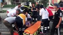 HIPODROM - Adana'da Kamyon İle Otomobil Çarpıştı Açıklaması 5 Yaralı