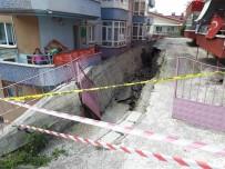 İSTİNAT DUVARI - Ankara'da İstinat Duvarı Çöktü