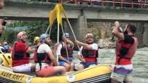 GENÇLİK VE SPOR BAKANLIĞI - Gençlik Ve Spor Bakanı Bak, Rafting Yaptı