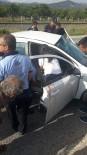 MURSALLı - Germencik'te Trafik Kazası, Yoldan Çıkan Otomobilin Sürücüsü Ağır Yaralandı
