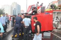 İTFAİYE ARACI - Şişli'de Göreve Giden İtfaiye Aracı Devrildi Açıklaması 3 Yaralı
