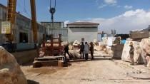 NUMUNE HASTANESİ - Üzerine Mermer Kayası Düşen İşçi Öldü