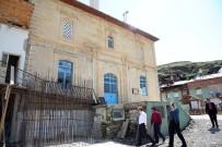 Vali Pehlivan Çamlıkoz Köyü'nü Ziyaret Etti