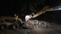 İzmir'de Yaşanan Sel Hasarının Yaraları Sarılıyor