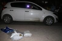 YUNUS TİMLERİ - Kovalama Sonucu Yakalanan Araçtan 4 Kilo Esrar Çıktı