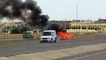 Seyir Halindeyken Alev Alan Aracın Sürücüsü Yaralandı