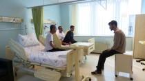 SAĞLIK ÇALIŞANI - Türkiye'den Gazzeli Yaralılara Maddi Ve Manevi Şifa