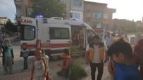 Yangında Evinde Mahsur Kalan Vatandaşı İtfaiye Ekipleri Kurtardı
