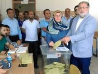 ŞEREFIYE - AK Parti 1. Sıra Van Milletvekili Adayı Gülaçar Oyunu Kullandı