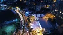 İSTANBUL İL BAŞKANLIĞI - AK Parti İstanbul İl Başkanlığı Önünde Coşkulu Kalabalık