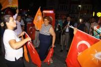 AK Parti'nin Seçim Zaferini Göbek Atarak Kutladılar