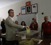 Bakan Çelik Adana'da Oyunu Kullandı