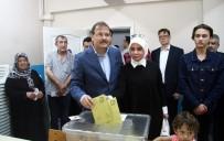 Başbakan Yardımcısı Çavuşoğlu Oyunu Bursa'da Kullandı