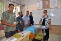 ÖZLEM ÇERÇIOĞLU - Başkan Çeçrioğlu, Oyunu Menderes'in Baba Ocağında Kullandı