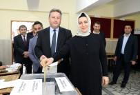 FERASET - Başkan Palancıoğlu Oyunu Eşi Ve Partililerle Kullandı