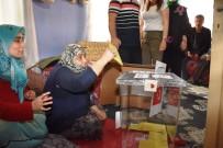 Dursunbey'de Seyyar Sandıkta 7 Kişi Oy Kullandı