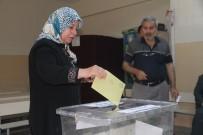 Elazığ, Bingöl Ve Tunceli'de De Oy Kullanma İşlemi Başladı