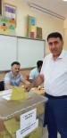 MEHMET METIN - İl Genel Meclisi Başkanı Karakuş  Oyunu Kullandı