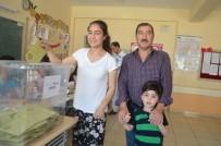 MUHABBET - Mardinliler Sandığa Çoluk Çocuk Gitti