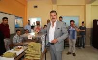 YALıNAYAK - Mersin'de Belediye Başkanları Oyunu Kullandı