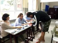 SARP LEVENDOĞLU - Oyuncu Sarp Levendoğlu Oyunu Kullandı