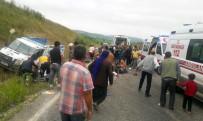 İşçileri Taşıyan Kamyonet Şarampole Devrildi Açıklaması 2 Ölü, 22 Yaralı