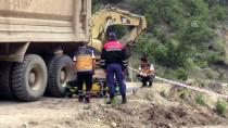 MEHMET AKBAŞ - Kütahya'da Kamyonun Altında Kalan İşçi Öldü