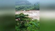 VIETNAM - Vietnam'da Sel Ve Toprak Kayması