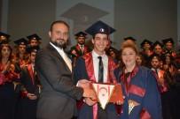 TIP FAKÜLTESİ ÖĞRENCİSİ - Yakın Doğu Üniversitesi Tıp Fakültesi Mezuniyet Töreni Gerçekleştirildi