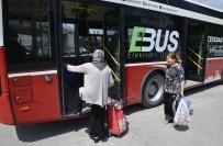 PAZAR ALIŞVERİŞİ - Elektrikli Otobüsler Pazar Servisine Devam Ediyor