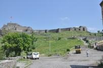 KÜMBET - Tarihi Kars Kalesi Altına Kilit Taşı Döşeniyor