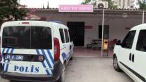 KAÇıŞ - Adana'da Bir İş Yeri Kurşunlandı