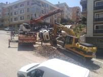 KAMYON ŞOFÖRÜ - Başkent'te Belediyeye Ait Kamyon Devrildi Açıklaması 1 Yaralı