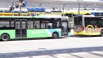 LAHEY - Hollanda'da Binlerce Otobüs Şoförü Zam Yalebiyle Greve Gitti