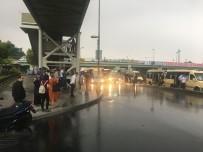 TAKSIM - İstanbul'da Etkili Olan Şiddetli Yağış Zor Anlar Yaşattı