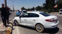 HARRAN ÜNIVERSITESI - Kırmızı Işıkta Bekleyen Otomobilin Sürücüsü Öldürüldü