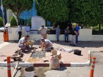 TARıK AKAN - Muratpaşa'da Kaldırımlar Güneşle Aydınlanıyor