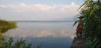 Sandaldan Göle Atlayan Kuzenlerden 2'Si Kurtarıldı, 1'İ Kayıp