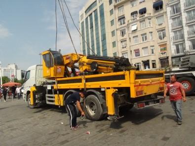 Taksim Meydanı'nda İlginç Görüntü