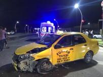 KıZıLPıNAR - Tekirdağ'da Trafik Kazası Açıklaması 3 Yaralı