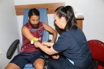 KAN TESTİ - Trabzonsporlu Futbolcular Sağlık Kontrolünden Geçti