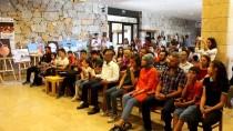 ARKEOLOJI - Vanlı Öğrenciler Neşet Ertaş'ın Türküleriyle Coştu