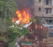 FİNANS MERKEZİ - Hindistan'da Uçak Düştü Açıklaması 5 Ölü